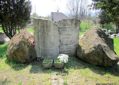 Verőce II. világháborús emlékmű 2013.04.22. küldő-kalyhas (6)