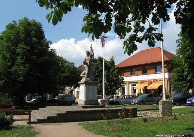 Veresegyház I.vh emlékmű 2007.06.11. küldő-Kályhás (15)