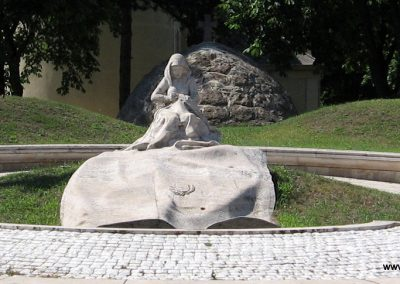 Veresegyház II.vh emlékmű 2007.06.11. küldő-Kályhás (1)
