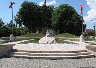 Veresegyház II.vh emlékmű 2007.06.11. küldő-Kályhás