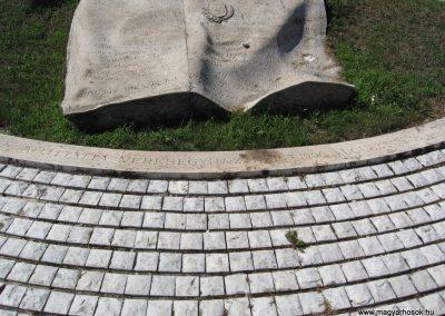Veresegyház II.vh emlékmű 2007.06.11. küldő-Kályhás (7)