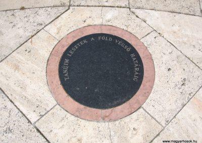 Veresegyház II.vh emlékmű 2007.06.11. küldő-Kályhás (8)