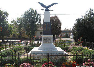 Verseg világháborús emlékmű 2009.09.28. küldő-kalyhas (10)