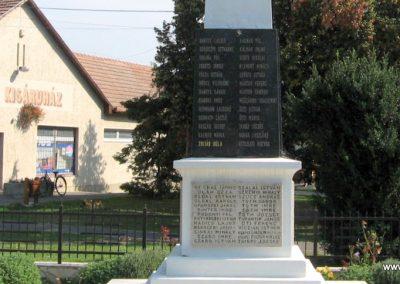 Verseg világháborús emlékmű 2009.09.28. küldő-kalyhas (13)