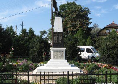 Verseg világháborús emlékmű 2009.09.28. küldő-kalyhas (8)