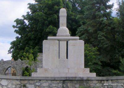 Veszprém - Gyulafirátót világháborús emlékmű 2013.05.21. küldő-Méri (5)
