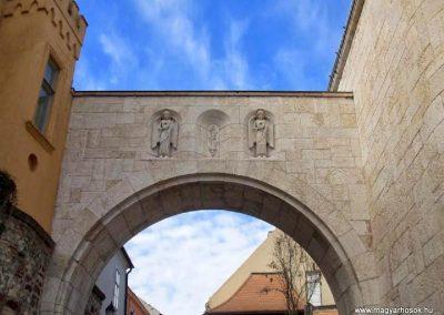 Veszprém Hősök kapuja I. világháborús emlék 2014.03.16. küldő-Méri (1)