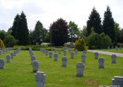 Veszprém II.vh katonai temető 2009.05.18.küldő-HunMi (2)