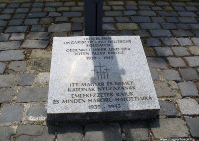 Veszprém II.vh katonai temető 2009.05.18.küldő-HunMi
