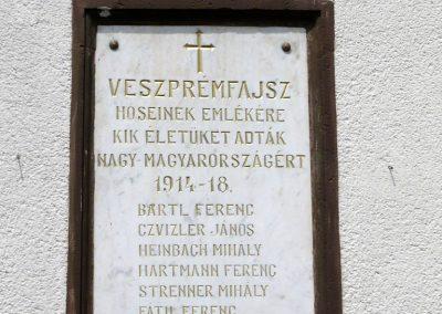 Veszprémfajsz világháborús emléktáblák 2010.05.30. küldő-Sümec (1)