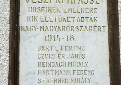 Veszprémfajsz világháborús emléktáblák 2010.05.30. küldő-Sümec (2)