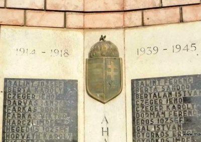 Veszprémgalsa világháborús emlékmű 2014.10.07. küldő-Méri (2)