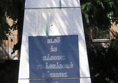 Villány világháborús emlékmű 2008.07.29.küldő-Laura (2)