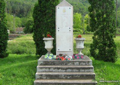 Villánykövesd világháborús emlékmű 2010.05.30. küldő-Mistel (3)