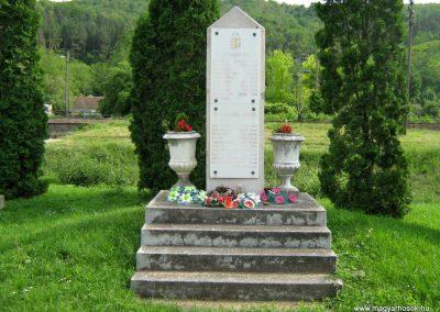 Villánykövesd világháborús emlékmű 2010.05.30. küldő-Mistel
