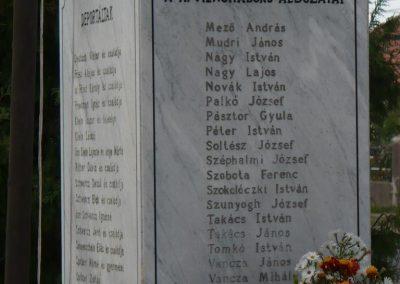 Vilmány világháborús emlékmű 2009.10.06. küldő-Gombóc Arthur (4)