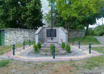 Vilonya II.vh emlékmű 2011.05.30. küldő-Csiszár Lehel