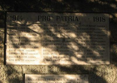 Visegrád világháborús emlékmű 2007.09.15. küldő-Kályhás (2)