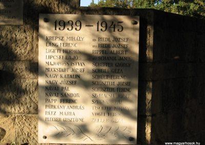 Visegrád világháborús emlékmű 2007.09.15. küldő-Kályhás (5)