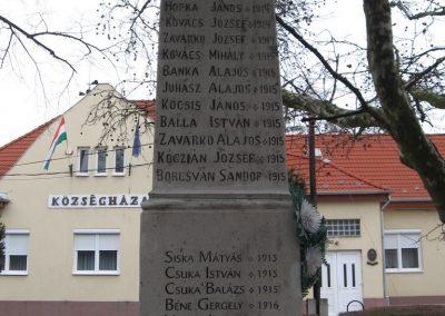 Visonta világháborús emlékmű 2009.03.27.küldő-kalyhas (8)