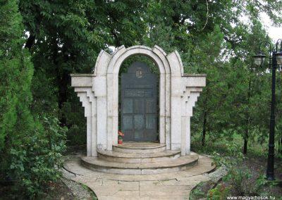 Visznek világháborús emlékmű 2008.07.15. küldő-kalyhas (1)