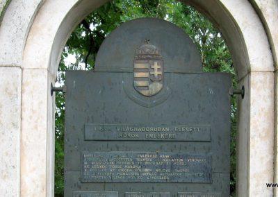 Visznek világháborús emlékmű 2008.07.15. küldő-kalyhas (3)