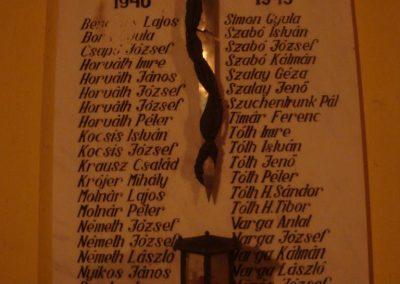 Vitnyéd Világháborús emléktáblák 2008.09.14.küldő-Huszár Peti (1)