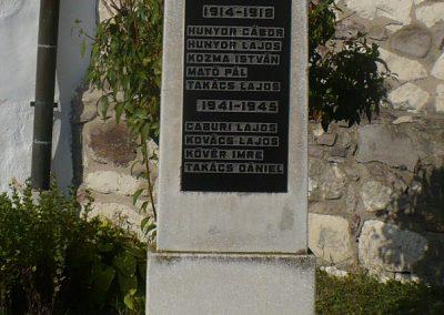 Vizsoly református templomkert világháborús emlékmű 2009.09.09 küldő-Gombóc Arthur (1)