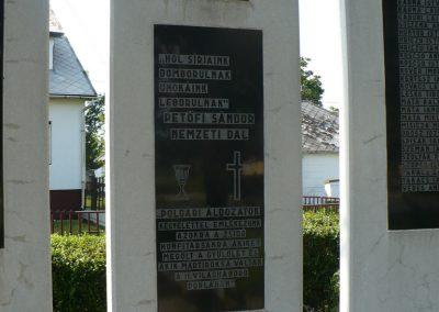 Vizsoly világháborús emlékmű 2009.08.01.küldő-Gombóc Arthur (2)