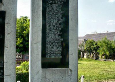Vizsoly világháborús emlékmű 2009.08.01.küldő-Gombóc Arthur (3)