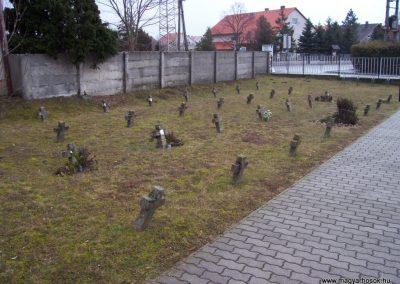 Vonyarcvashegy I. vh. emlékmű és katonasírok 2009.02.27.küldő-miki (3)