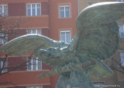 XII.kerület Hősi emlékmű -bontásra itélve!-2008.04.02.küldő-Huszár Peti (2)
