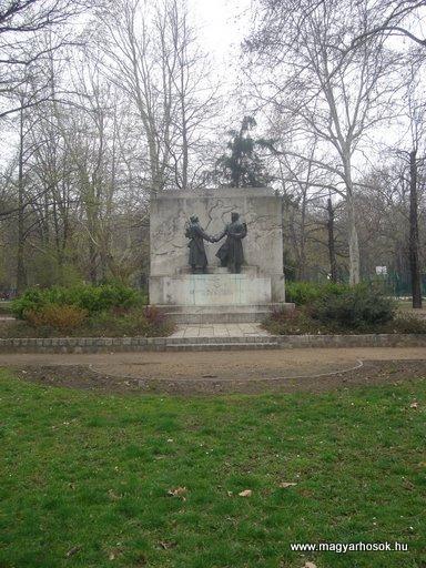XII.kerület Városmajor I.vh emlékmű 2008.04.03. küldő-Huszár Peti
