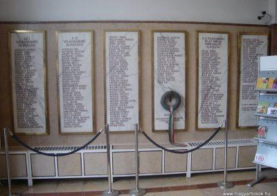 XIII. kerület Elmü irodaház-Hősök emléktáblái 2008.10.08.küldő-Huszár Peti