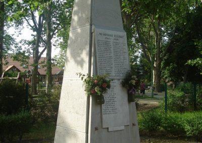 XVIII. kerület Pestszentimre I.vh emlékmű 2008.05.28. küldő-Huszár Peti (3)