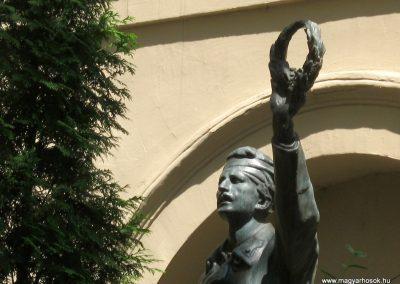Ybl M. Gimn., ma Szent István Szakiskola Diákhősök emlékműve 2019.07.18. küldő-Bali Emese (1)