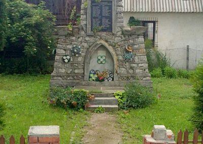 Zádorfalva világháborús emlékmű 2011.06.11. küldő-Pataki Tamás