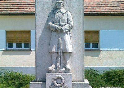 Zámoly I.vh emlékmű 2011.05.24. küldő-Csiszár Lehel (2)