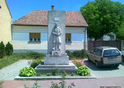 Zámoly I.vh emlékmű 2011.05.24. küldő-Csiszár Lehel