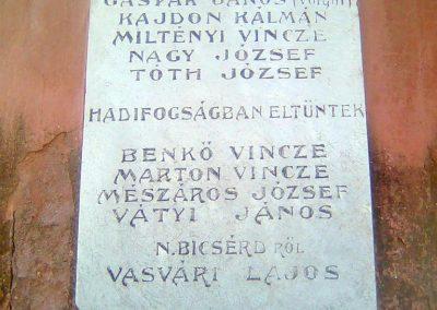 Zók I.vh emlékmű - A bicsérdi emlékművön - 2012.05.17. küldő-KRySZ (1)