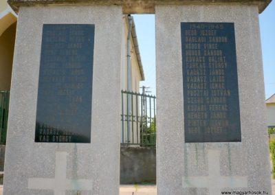 Zajk világháborús emlékmű 2010.06.29. küldő-Sümec (3)