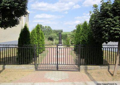 Zala világháborús emlékmű 2013.08.23. küldő-kalyhas