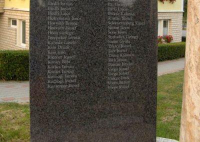 Zalaapáti világháborús emlékmű 2010.07.18. küldő-gyurkusz (6)