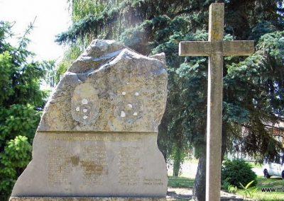 Zalacsány II. világháborús emlékmű 2014.06.09. küldő-Méri (5)