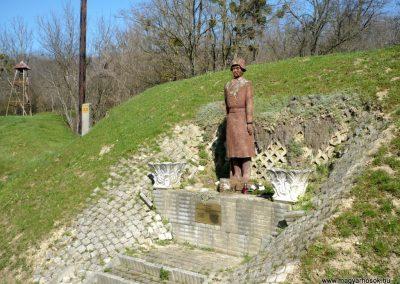 Zalaköveskút II. világháborús emlékmű 2013.04.14. küldő-Sümec (5)