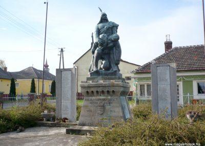 Zalakomár - Kiskomárom világháborús emlékmű 2012.04.11. küldő-Sümec (2)