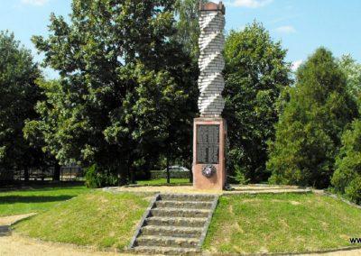 Zalakomár-Komárváros világháborús emlékmű 2010.10.15. küldő--NEMES- (3)