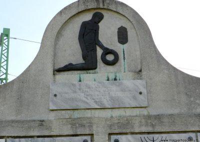 Zalalövő II. világháborús emlékmű 2017.03.25. küldő-Huber Csabáné (1)