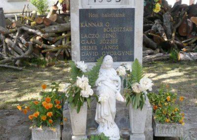Zalasárszeg világháborús emlékmű 2013.05.26. küldő-Sümec (2)