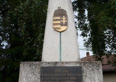 Zalaszentbalázs világháborús emlékmű 2009.05.15.küldő-Sümec (2)